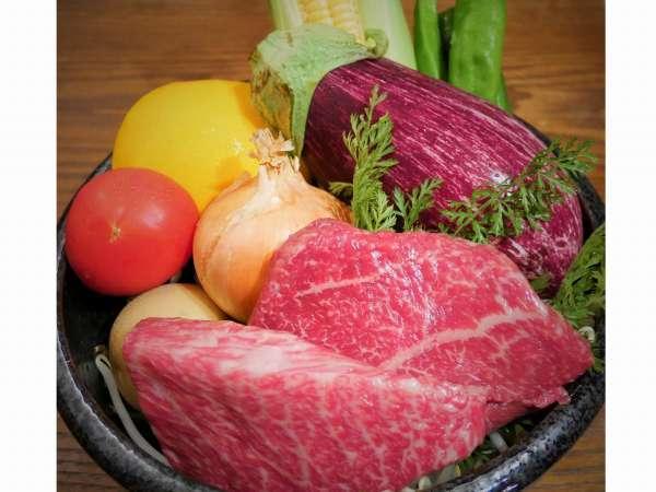 お食事で使用する食材の約9割を大阪府内で生産(飼育,水揚げ)・販売される大阪産にこだわっています。