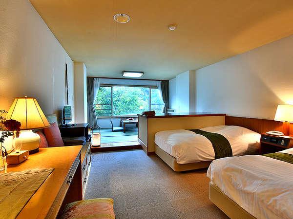 《シモンズ和洋室》シングル+セミダブルのツインに6畳の畳スペース、全35平米のジュニアスイートタイプ