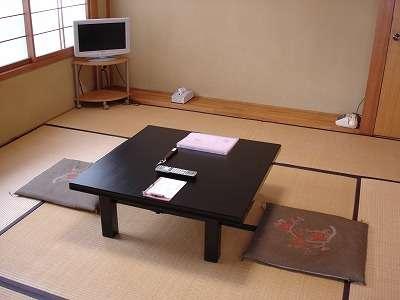 和室8畳 2~4人向け