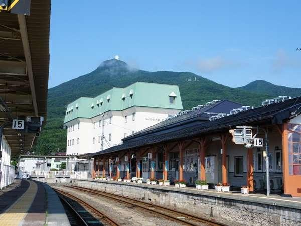 当館は大湊駅徒歩0分!恐山や釜臥山展望台など観光の拠点に最適です。