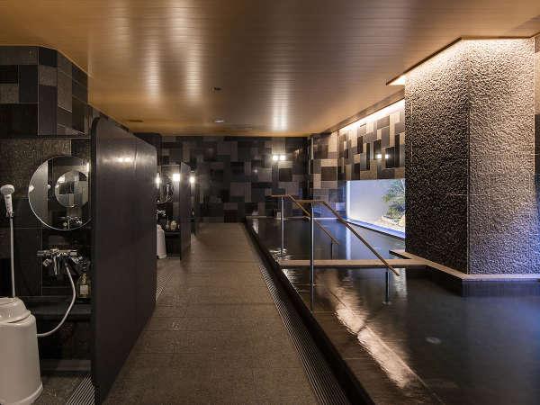 【男性大浴場】人工炭酸泉備え付けの自慢の大浴場です♪