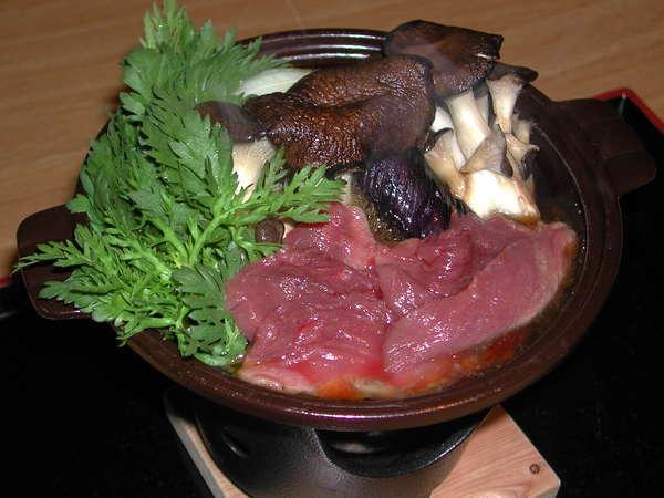 きなり館冬の新メニューあっさり、ヘルシーなおいしさ!「鹿のすき焼き鍋」