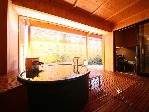 ■バリアフリー【露天風呂付和洋室】車いすのまま露天風呂の近くまで移動もできます。
