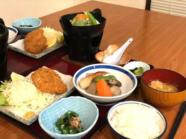 夕食(一例)自家製「魚沼産コシヒカリ」のご飯です。