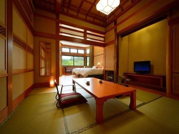 2間・和洋ベッド※和室8畳+ツインルーム。格式高い格天井のお部屋で、ごゆっくりとお寛ぎくださいませ。