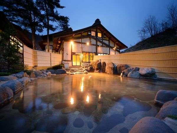 2019年冬リニューアル「とよさわ乃湯」露天※豊沢川のせせらぎと川を渡る風が心地よい露天風呂です。