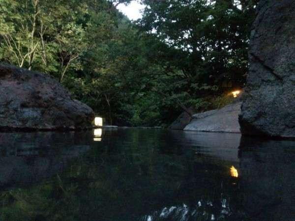 夕刻の大野天風呂