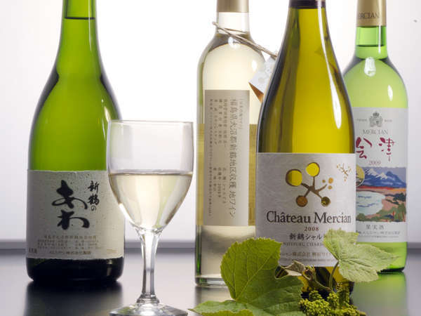 *会津盆地ではぶどうを栽培が盛ん!売店では販売、夕食時にご提供(有料)も可能です!