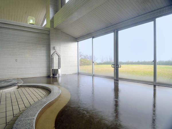 *【隣接施設・大浴場】時間・季節によって移ろう景色を眺めながら天然温泉をご堪能ください!