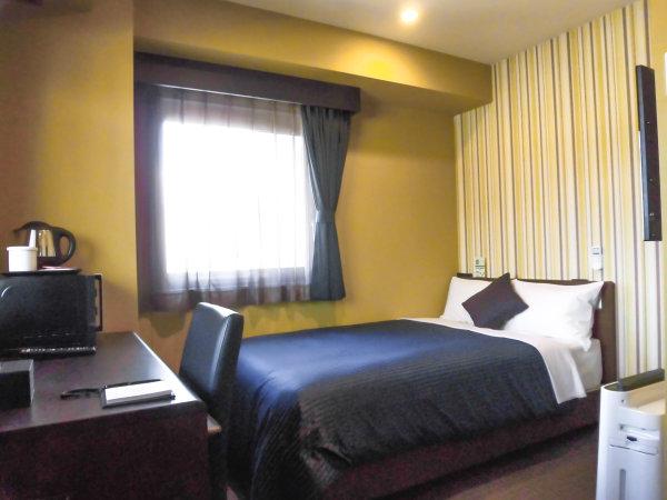 ◆シングルルーム◆全室セミダブルベッドでのご用意となります。*全室43型 4Kテレビ導入