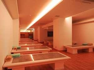 【岩盤浴場(写真:女性用)】新陳代謝でお肌もつるつる♪地下1階