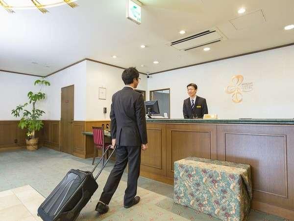 まずはフロントにてチェックイン!ようこそ(^^)お荷物のお預けもお気軽にどうぞ♪