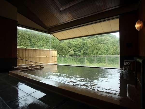 【雲上の湯】檜風呂(男湯)