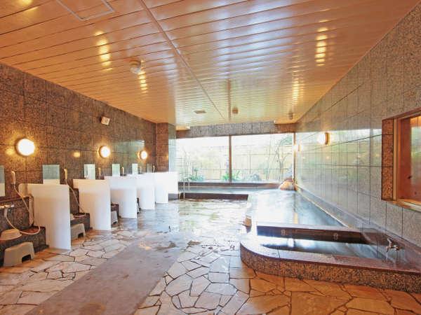 鳥取温泉の源泉を使用した大浴場