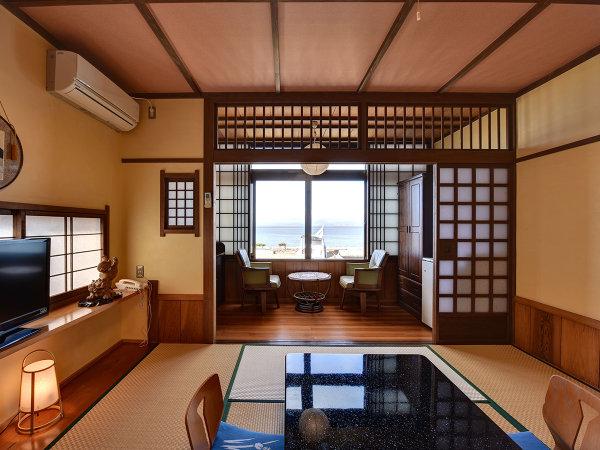 *【和室8畳(海側)】ゆったりとした造りのお部屋です