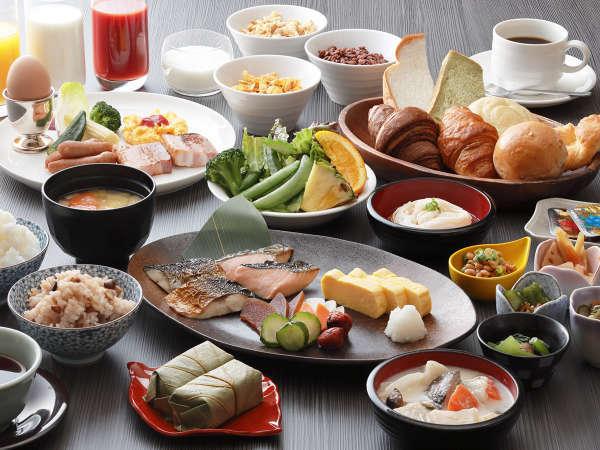 朝食は和洋バイキング。奈良ならではの名物料理もご用意しています。