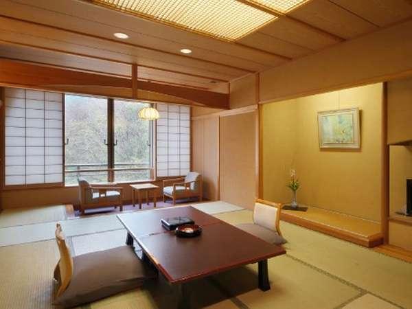 【山側和室】日本の原風景の懐かしさと自然のおおらかを感じられる客室