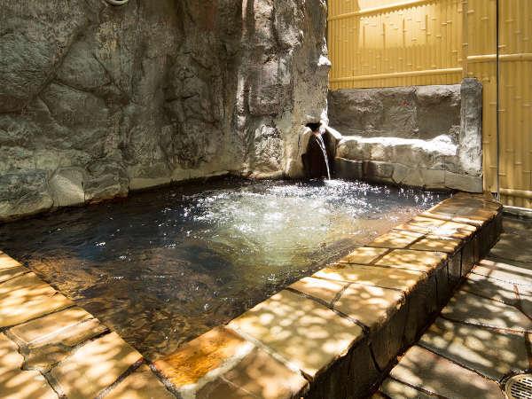 ◇女性も安心半露天風呂♪男性は完全露天風呂です。