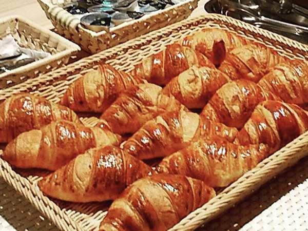 朝食で人気のクロワッサン