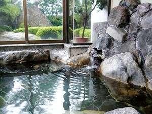 庭園の見える内風呂
