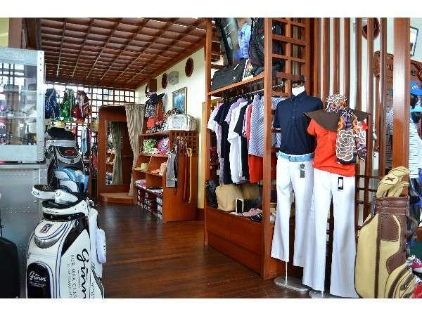 おしゃれなゴルフウェアが豊富なゴルフショップ--普段使いのウェアや小物としても人気です