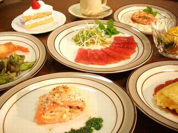 四季の食材を使った和洋折衷の創作料理です。ボリューム満点のディナーです。