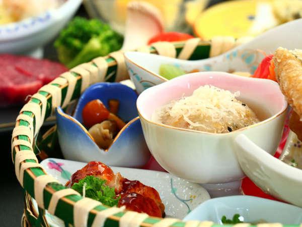 お料理の一例。四季折々の素材を使用した当館のお料理です!※時期によって内容が変わります。