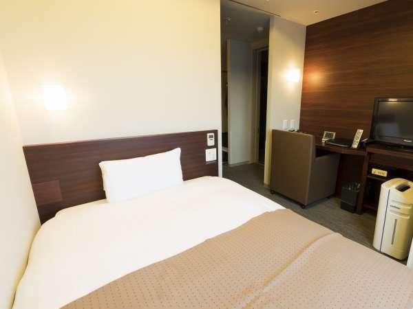 ◆エコノミーシングルルーム11平米 ベッド幅120cm×195cm