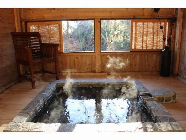 ◇露天風呂◇木の香りが漂う貸切露天風呂天然温泉をお楽しみください。
