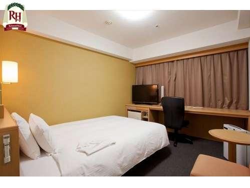 ◆シングルルーム◆広々18㎡、140cmダブルベッド 全室32型液晶テレビ採用