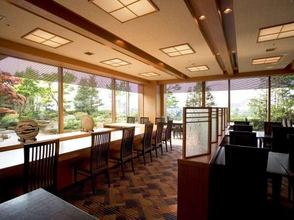 和の趣とモダンな雰囲気が漂う 5F 日本料理 雲海