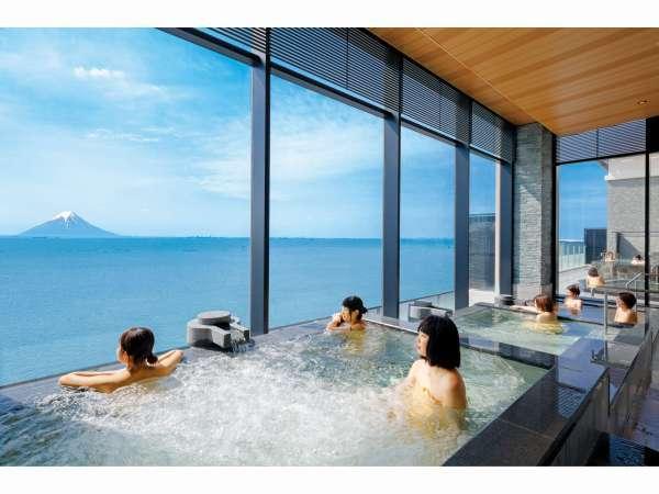 最上階「天空の湯」3種の段々風呂
