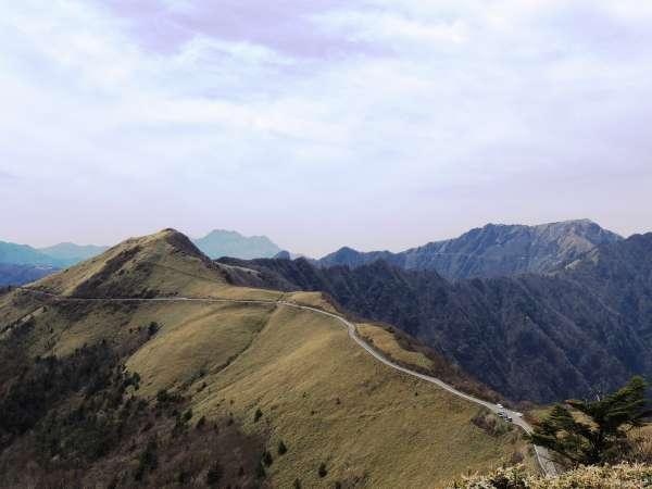UFOラインは4月中旬~11月末まで通行可能です。トヨタのCMで有名になった所です。