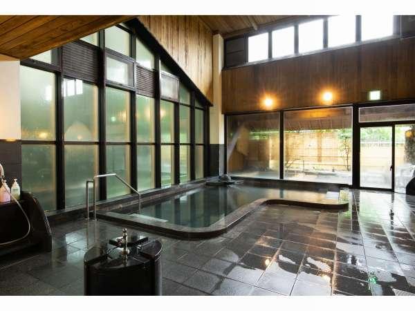 山沿い大浴場 (山沿いと川沿いが1週間ごとに男女が入れ替わります)