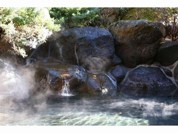 東急別荘に源泉があり、アルカリ単純泉です