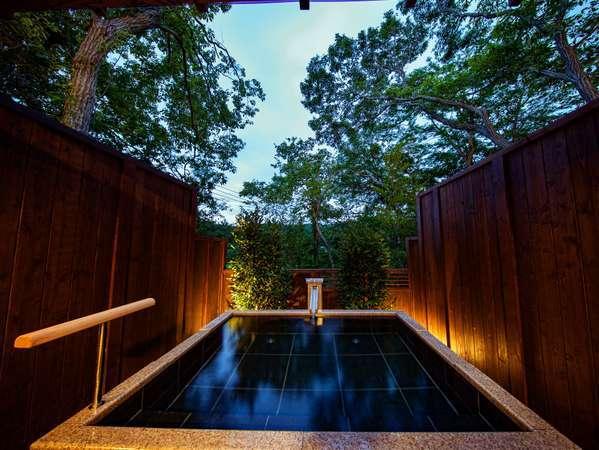 5つの貸切露天風呂は24時間いつでも何回でも無料で入浴可能!