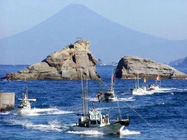 海賊料理まつり漁船パレード