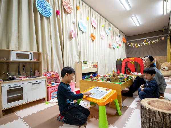 10才までのお子様が無料で遊べるキッズルームが卓球場横にオープンしました♪