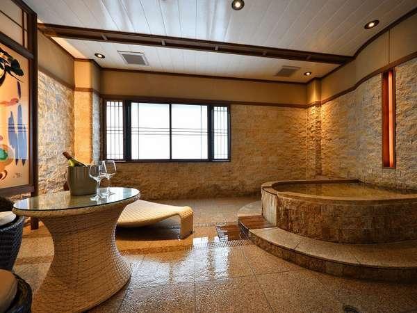 【露天風呂付客室】客室のお風呂はすべて造りが異なります
