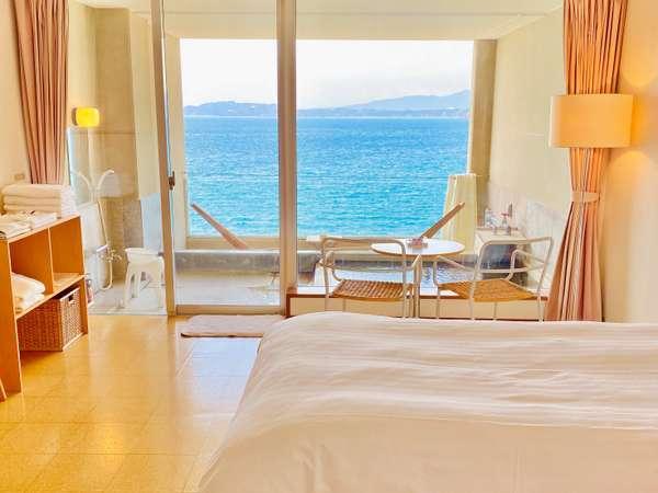 ツインルームナチュラルタイプ♪全室に広々プライベート露天風呂完備♪♪全室海側オーシャンビューです♪♪