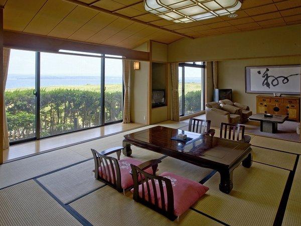 椿庵客室(和室15帖+次の間6帖) 定員8~10名の広さにて、記念日のご旅行などにも好評です。