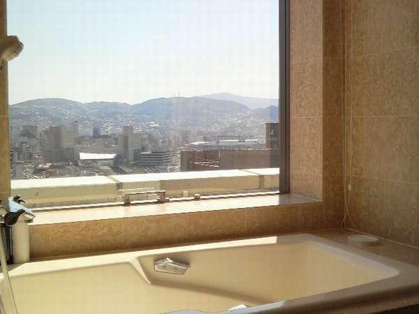 最上階1415号室・バスルームからも長崎の景色が見れます♪