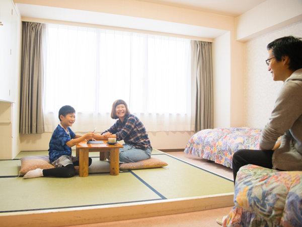 ■ファミリールーム■洋室36㎡内に畳4畳半のスペースがあるご家族向け客室