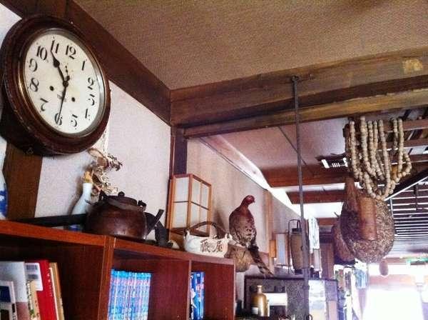壁掛けの古時計。お時間は正確ではありませんので「目安」にて…