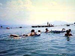 無人島での海水浴