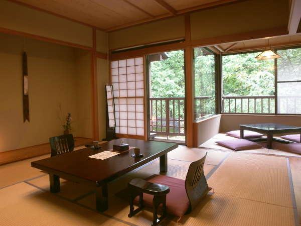 『小さなテラスのある客室』和10畳+和3畳+小さなテラス