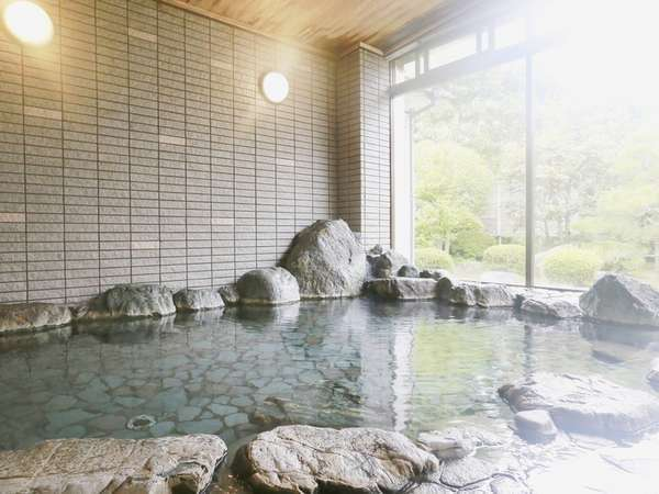 【大浴場】自家源泉かけ流しのラジウム温泉