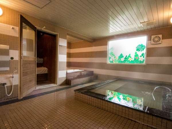 【男性用大浴場】サウナとジャグジーバスを用意♪