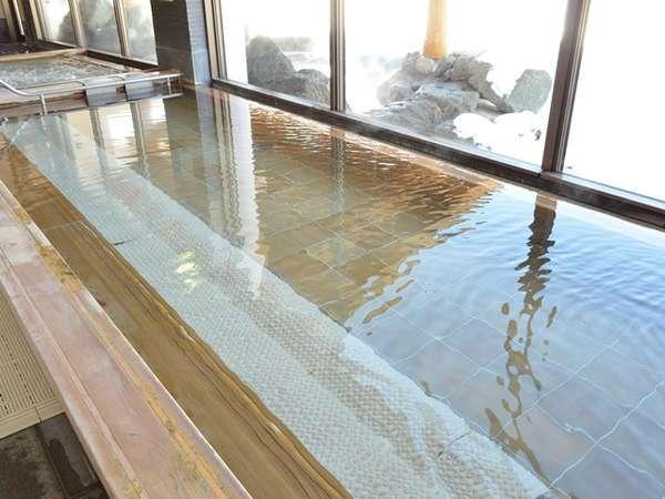 檜造りの和風風呂・ミストサウナ併設