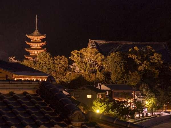 夜の宮島はとても静かで幻想的です♪